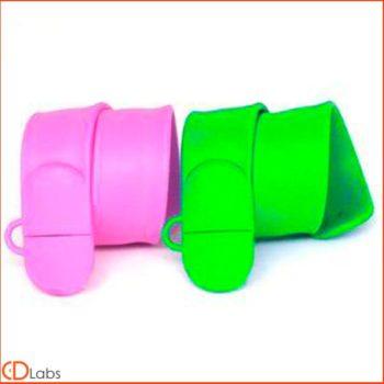 Зеленая и фиолетовая силиконовая флешка в форме браслета